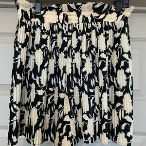 Zara Printed Floral Pleated Shorts